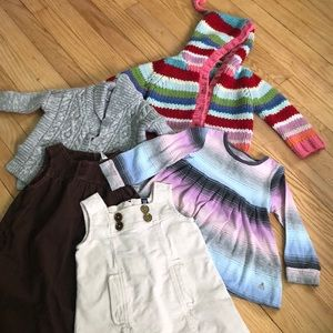 Lot of 5 BabyGAP dresses and sweaters 2t